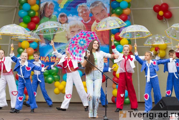 1-sentjabrja-2013-v-gorodskom-sadu-tveri-15