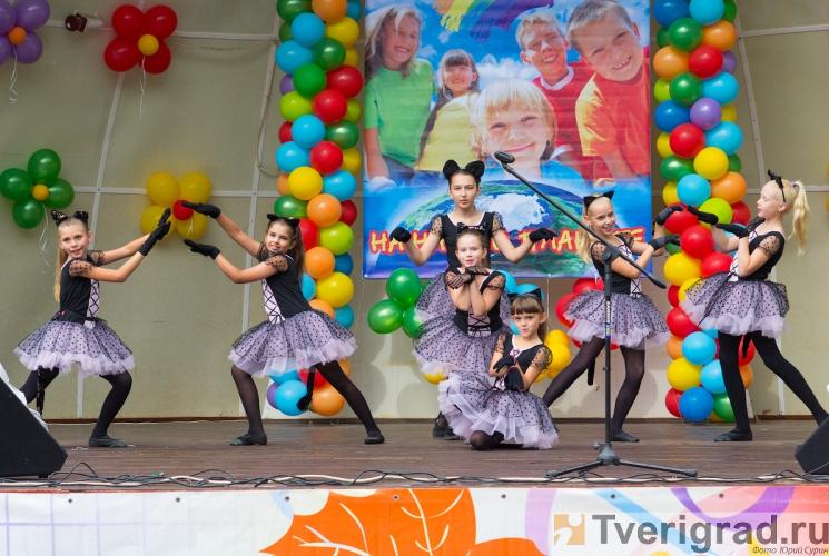 1-sentjabrja-2013-v-gorodskom-sadu-tveri-24