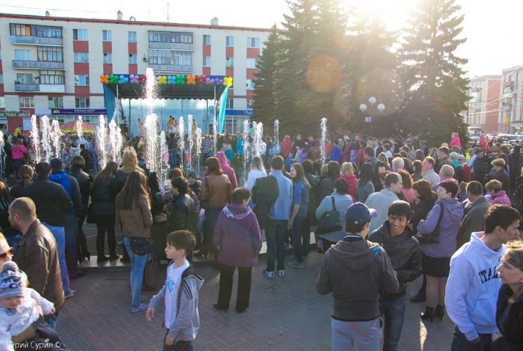 fontan-na-komsomolskoj-ploshhadi-v-tveri-2013-11_0