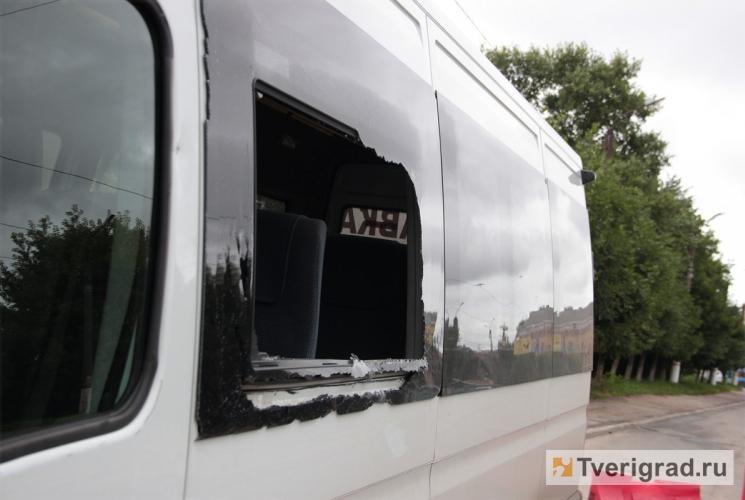 Полиция задержала подозреваемого в нападении на маршрутные такси в Твери.