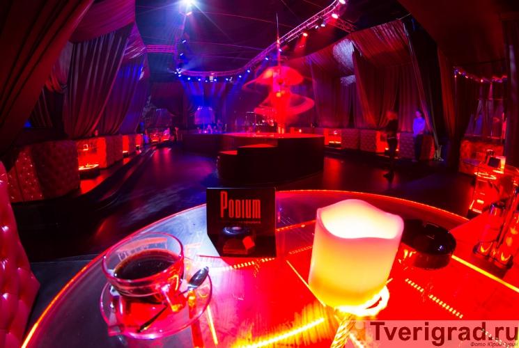 striptiz-holl-podium-v-tveri-3