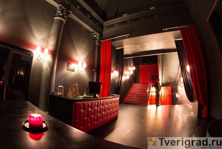 striptiz-holl-podium-v-tveri-4