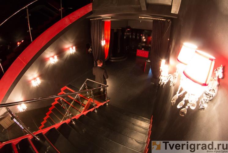 striptiz-holl-podium-v-tveri-5