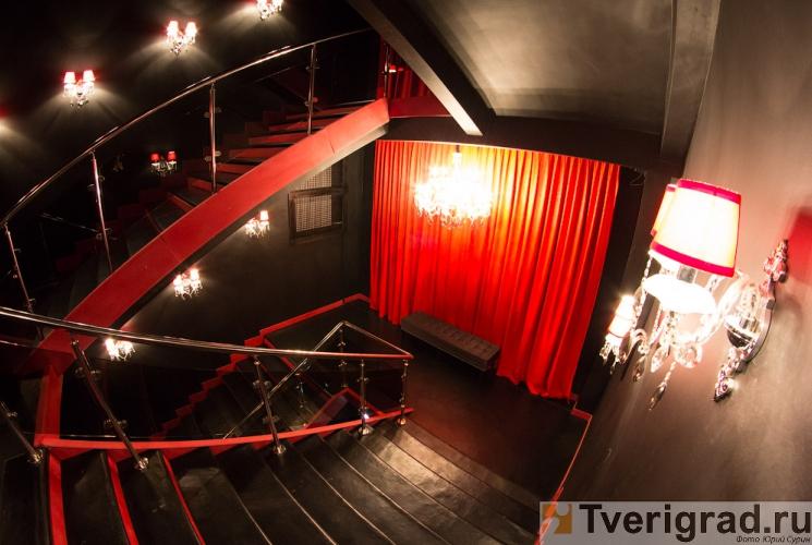 striptiz-holl-podium-v-tveri-6