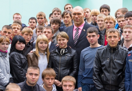 nikolai-valuev-in-tver-11
