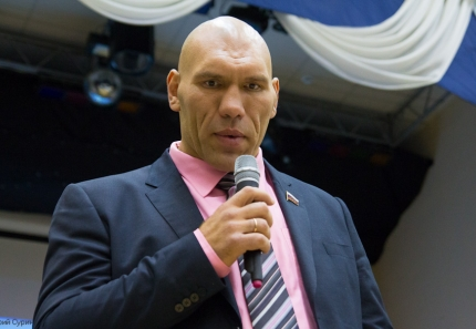 nikolai-valuev-in-tver-17