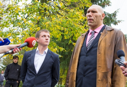 nikolai-valuev-in-tver-2