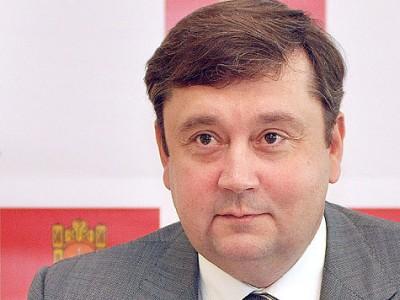 Губернатор Тверской области Андрей Шевелев попал в ДТП.  2011-11-27.