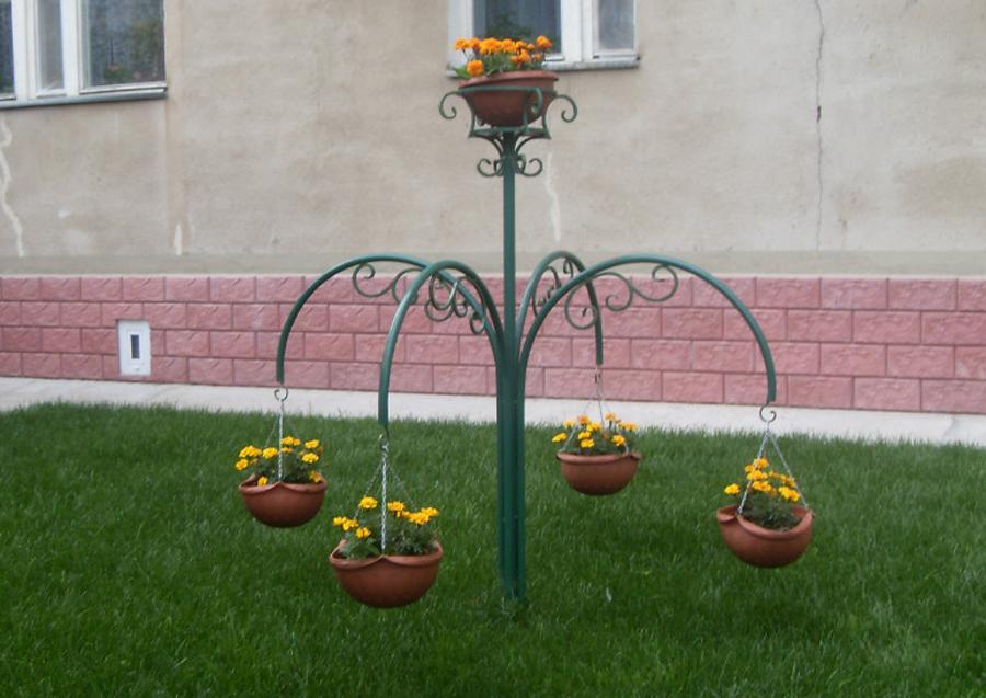 Подвесные цветники своими руками фото 33
