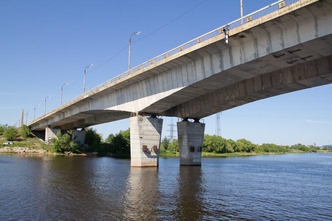 Восточный мост давно нуждается в ремонте
