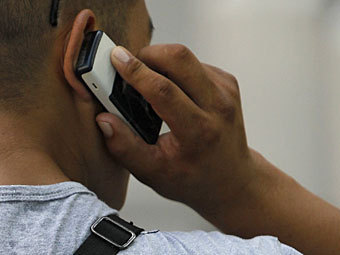 """Чиновники предложили россиянам заплатить за отмену """"мобильного рабства"""""""