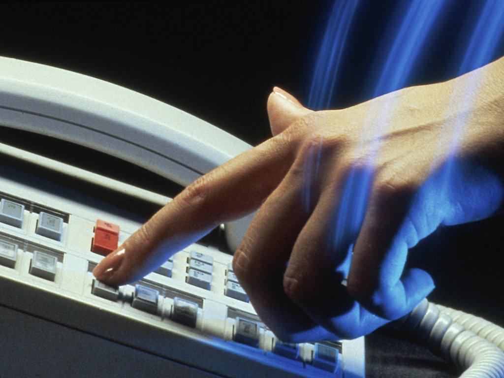 Куда звонить и что делать: полезные телефоны на все случаи жизни