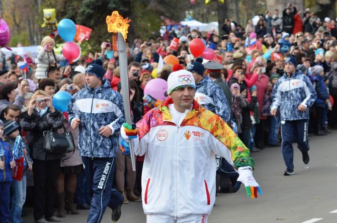 Эстафета Олимпийского огня в Торжке