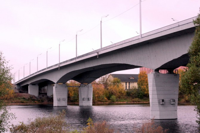 Восточный мост