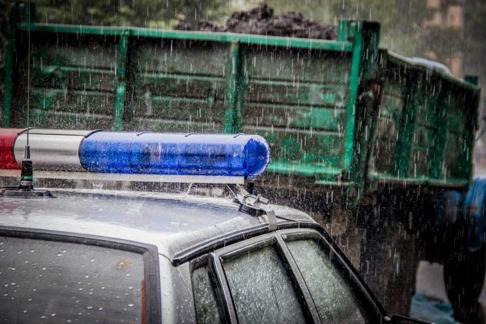 НаМ-11 вТверской области фургон врезался вбетонное перекрытие моста