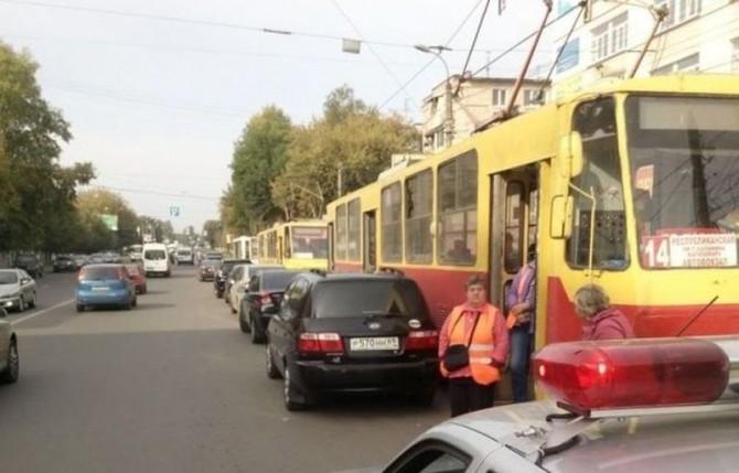 Встали трамваи