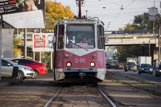 Трамвай № 11