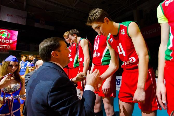 Егор Скачков принимает поздравления
