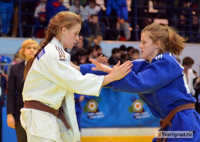 Ульяна Красильникова (на снимке слева) - на Кубке Европы по дзюдо в Твери