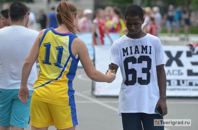 Уличный баскетбол в Твери