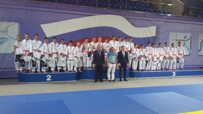 Все призеры Всероссийской Спартакиады. Тверская команда на снимке слева.