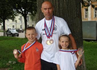 Семья Першиных с медалями чемпионата России