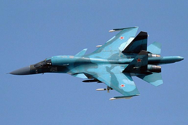 Москва перебросила многофункциональные бомбардировщики Су-34 вКрым 26августа 2016 20:08