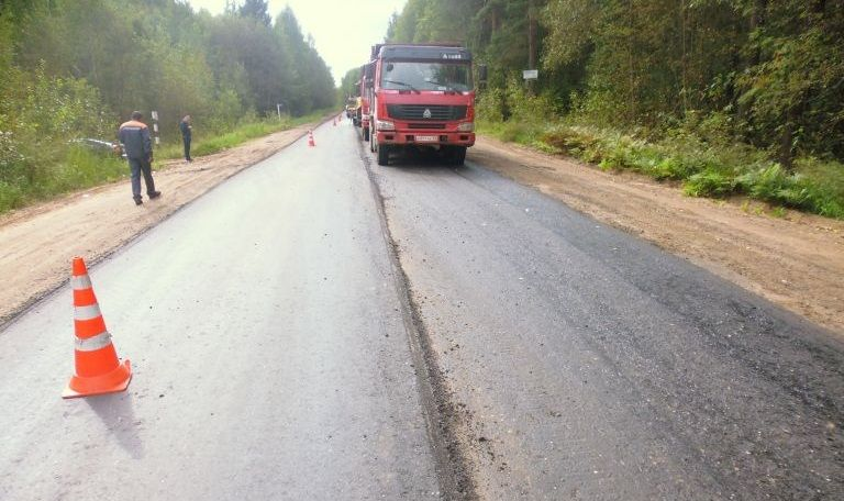 Подрядчика, который сорвал ремонт дороги под Тверью, накажут