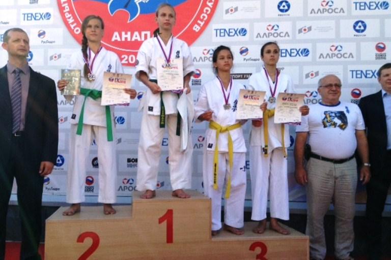 Курские рукопашники стали призерами всероссийских юношеских игр вАнапе