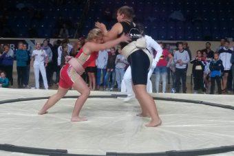 Алена Петрова на первенстве России по сумо
