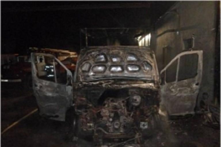 ВТвери наулице Гагарина сожгли автомобиль