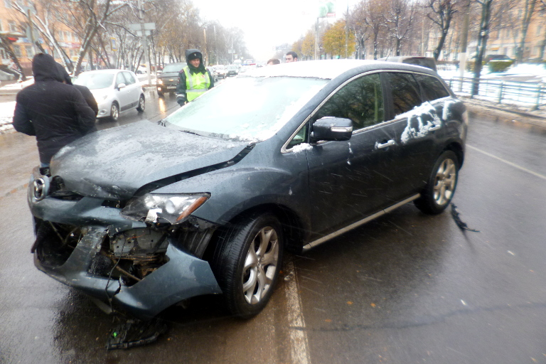 ДТП вТвери: автомобиль Мазда непропустил Рэно