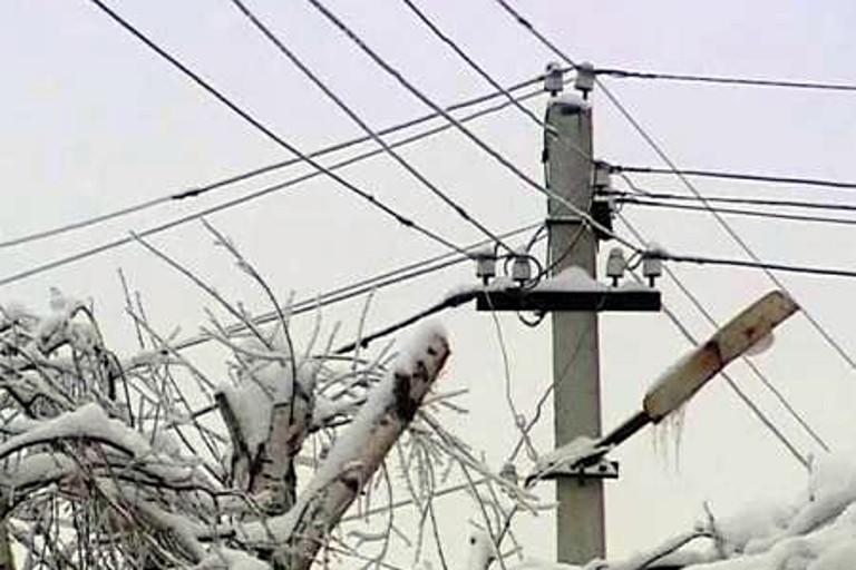 Ряд районов Тверской области остался без электричества из-за ледяного дождя