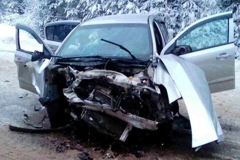 ВДТП с 2-мя легковушками под Тверью пострадали 9 человек