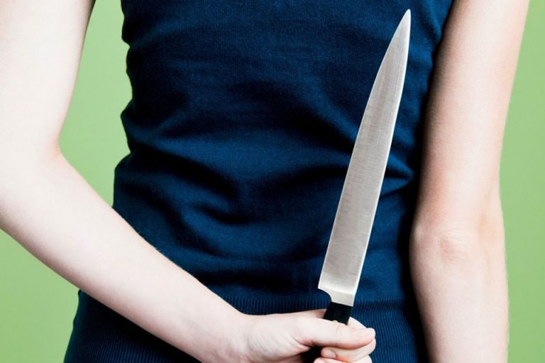 Погорячим следам раскрыто разбойное нападение наминимаркет вТоржке