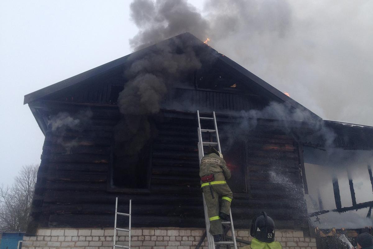 Женщина и ее 1,5-годовалая дочь погибли напожаре под Старицей