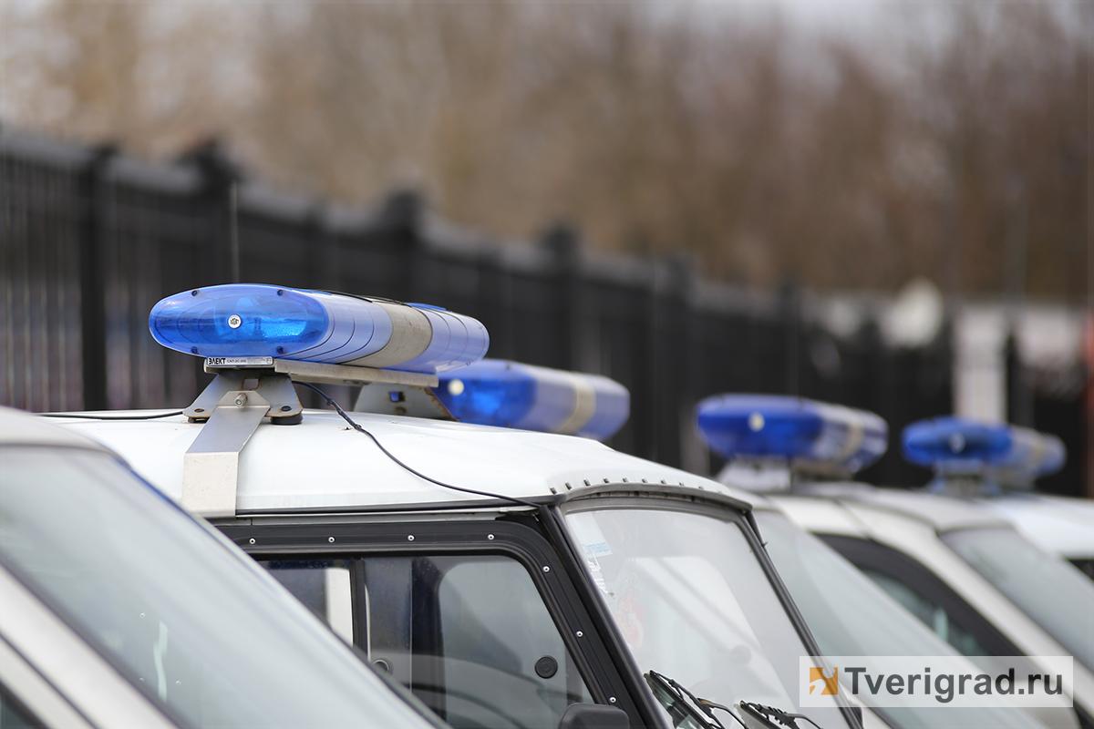 В Тверской области два подростка ворвались в квартиру к своей подруге и украли драгоценности