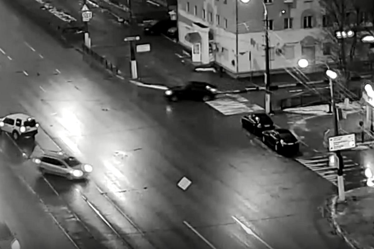 В Твери неизвестный водитель сбил пенсионерку и скрылся