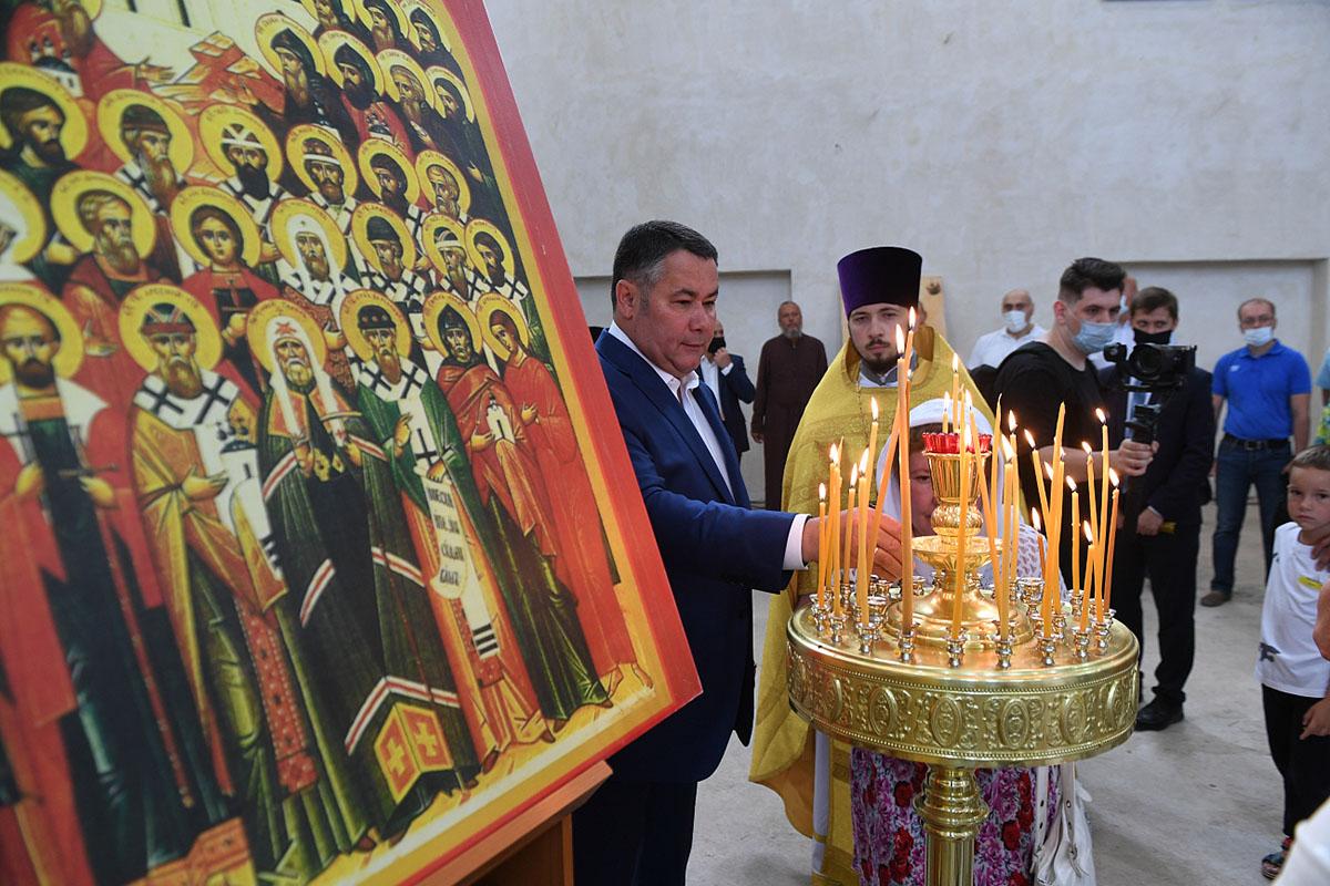 Губернатор в День Собора Тверских святых принял участие в богослужении в Спасо-Преображенском соборе