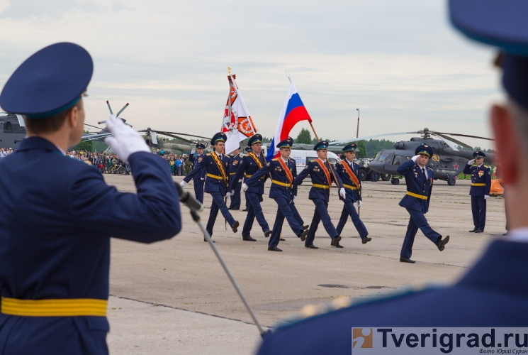70-letie-so-dnja-obrazovanija-6955-gvardejskoj-aviacionnoj-minskoj-bazy-3
