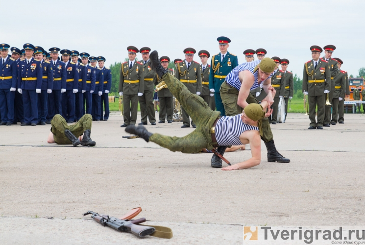 70-letie-so-dnja-obrazovanija-6955-gvardejskoj-aviacionnoj-minskoj-bazy-4