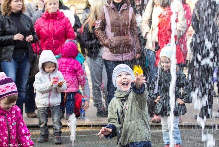 fontan-na-komsomolskoj-ploshhadi-v-tveri-2013-22_0
