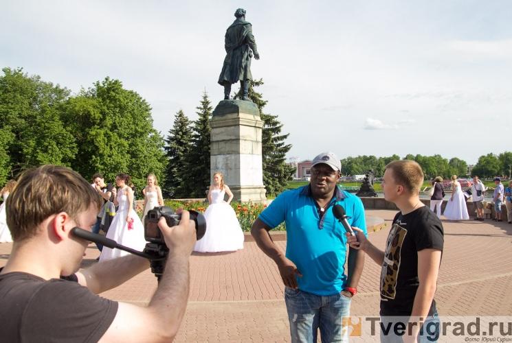 sbezhavshie-nevesty-2013-19