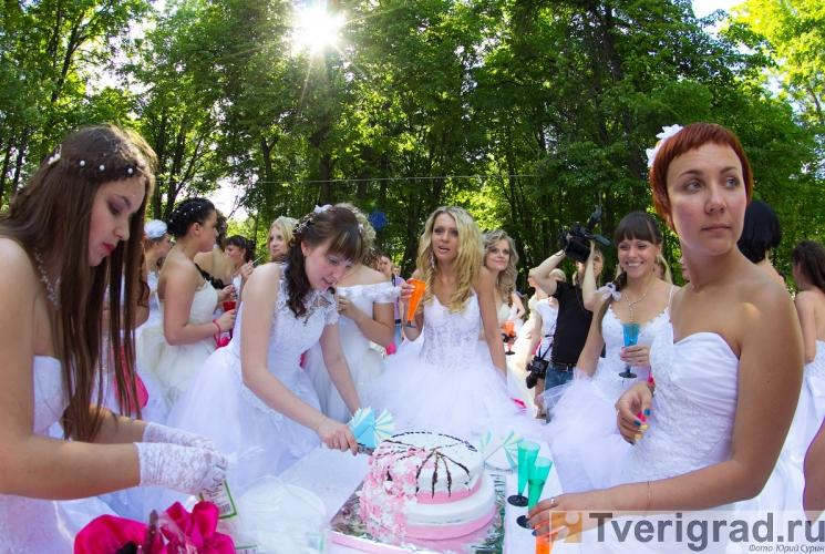 sbezhavshie-nevesty-2013-5