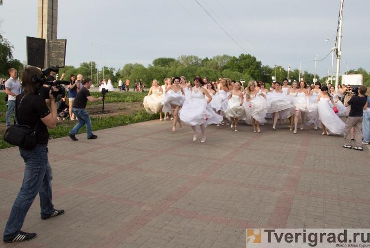sbezhavshie-nevesty-2013-54