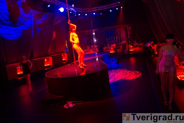 striptiz-holl-podium-v-tveri-2