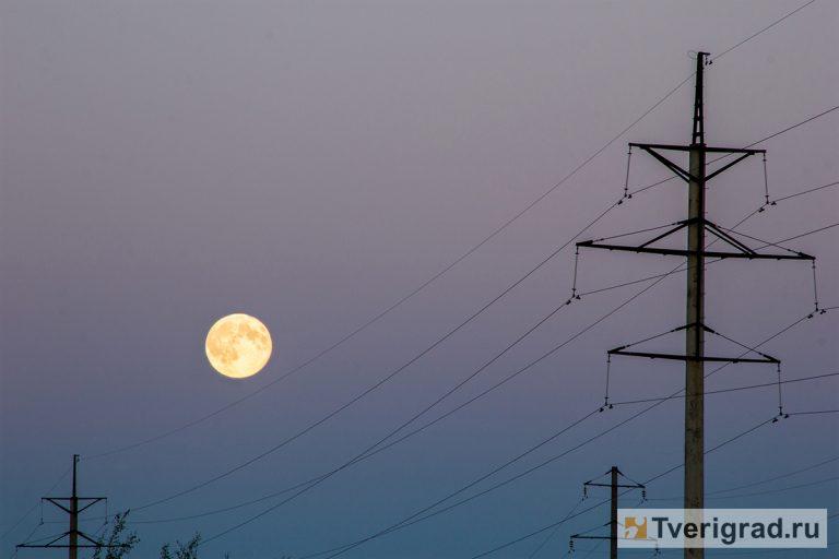 Ученые поведали , когда наблюдать сближение Луны и 3-х  планет