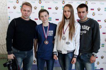 Карина Миронец и Ксения Ли с тренерами