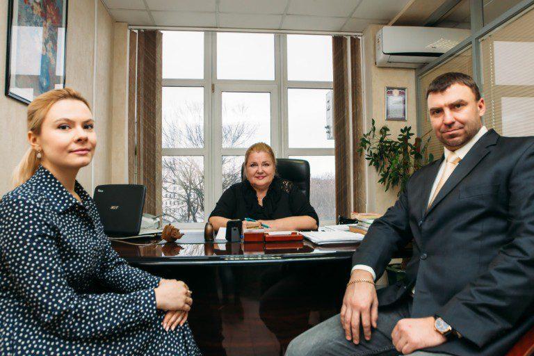 Адвокат по уголовным делам Владимира Высоцкого улица консультации по жилищному праву Красовского улица