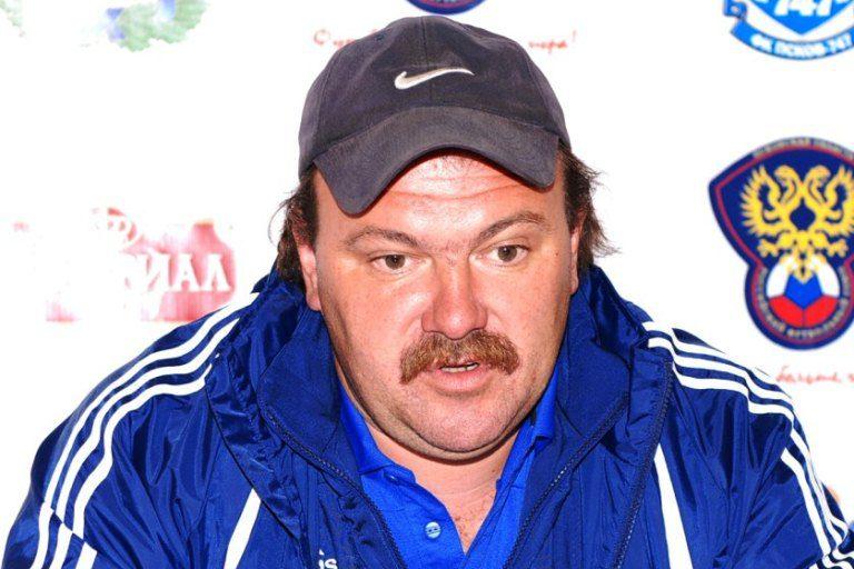 Олег Саморуков - тренер ФК Волга Тверь